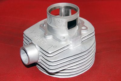 Two Stroke Cylinder